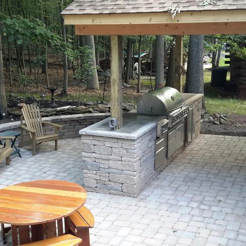 Hilt outdoor kitchen.jpg