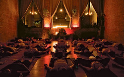tumblr-candlelight-yoga-560x350
