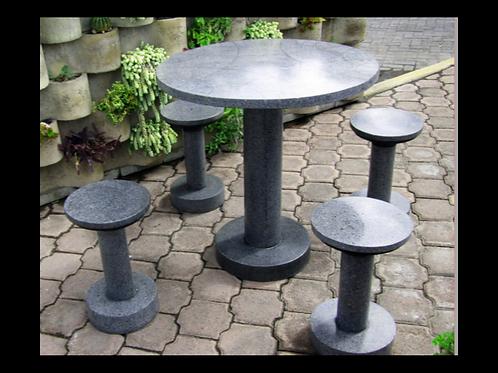 Mesa de concreto con agregados de mármol