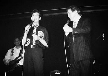 Een jonge David Vandyck in duet met Will Tura