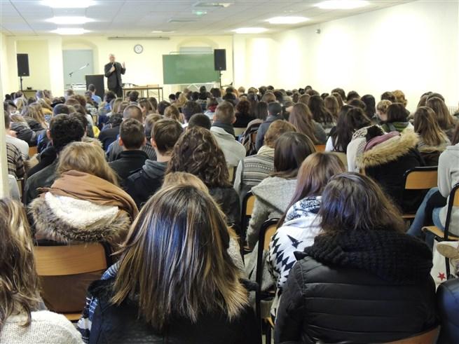 Conférence_de_Monseigneur_JAEGER_Evêque_d'Arras_et_de_Calais_-_Photo_2
