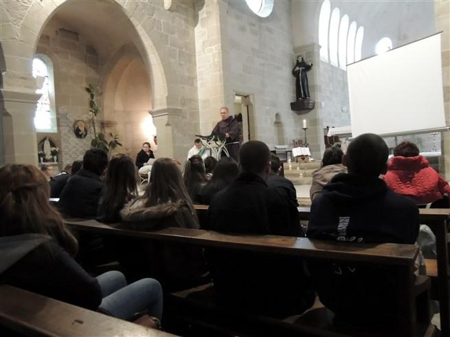 Temps_de_prière_à_Saint-Antoine_pour_fêter_Toussaint_–_Invités_au_Bonheur_-_16-10-2015_-_Photo_2429