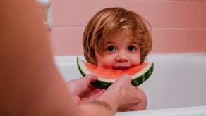Pediatra explica 14 pasos para hacer la transición de niños omnívoros a veganos