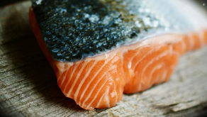 China pide evitar salmón tras relacionarlo con rebrote de covid-19 en Pekín