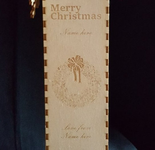 Merry Christmas and wreath engraved wine box