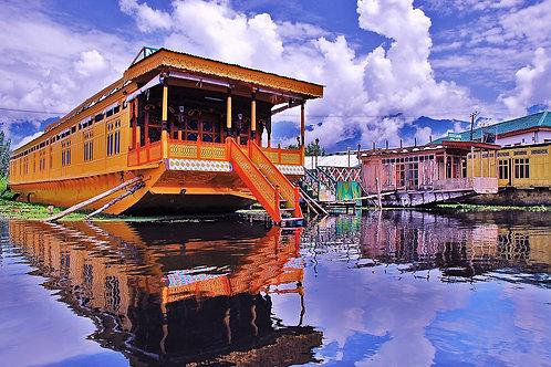 Kashmir and Srinigar (Houseboats)