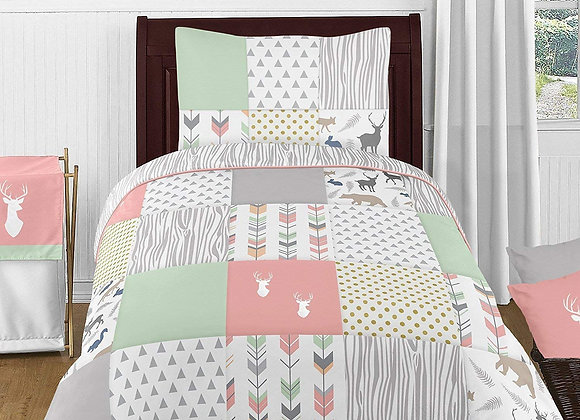 Sweet JoJo Designs Coral Woodsy Deer Quilt and Sham Bedding Set