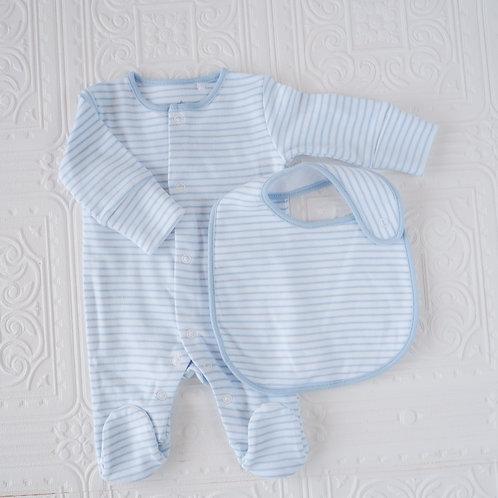 Pijama y babero rayas celeste