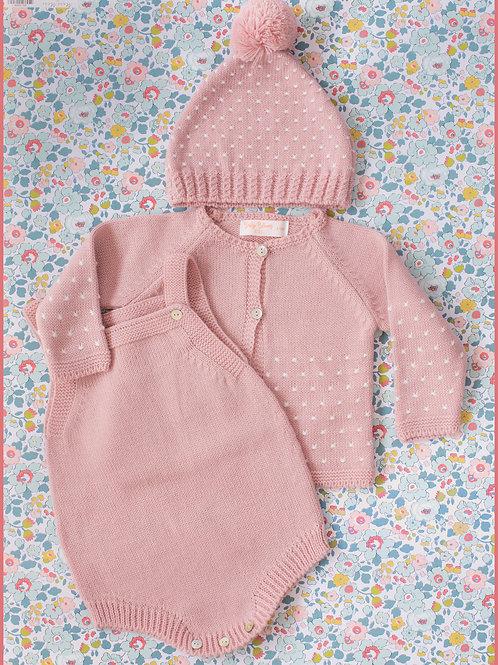 Conjunto gorro, bodie y rebeca punto puntitos rosa bebé