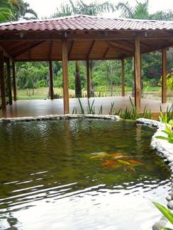 Macaw Lodge water