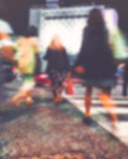 graphicstock-motion-blurred-people-walki