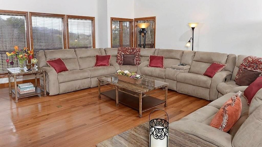 Smokey Mountain Luxury - Pigeon Forge Vacation House Rental