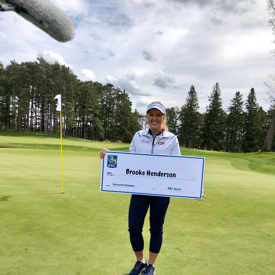Brooke with cheque