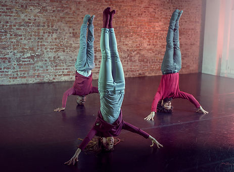MCDC head stand