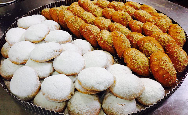 Melomakarona and Kourabies
