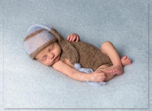 Newborn baby boy photo Tunbridge Wells