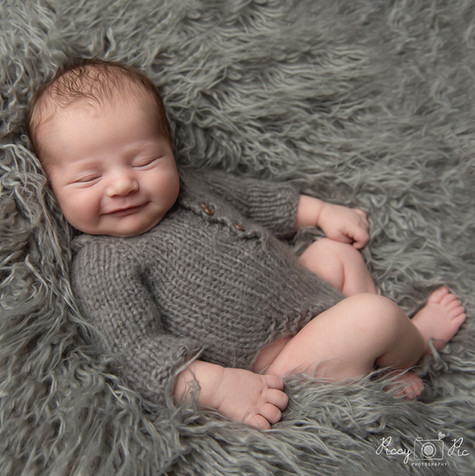 newborn photographer Kent, East Sussex