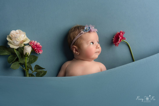 7 weeks old baby photography