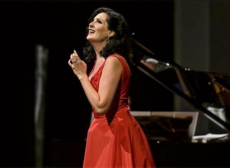 Adela Zaharia in Viva L'Italianità at Deutsche Oper am Rhein