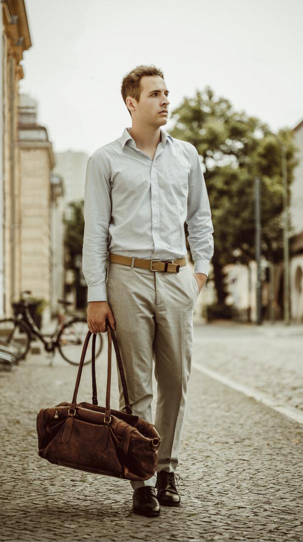 Jakob Wenig, Business.png