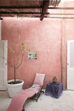 c819c81b453feb84af518413c445a9a1--stair-walls-dusty-pink