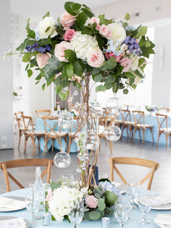 Floral and tea light centerpiece.jpg