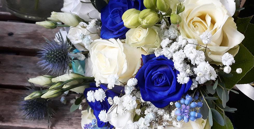 Bouquet da sposa bianco e blu