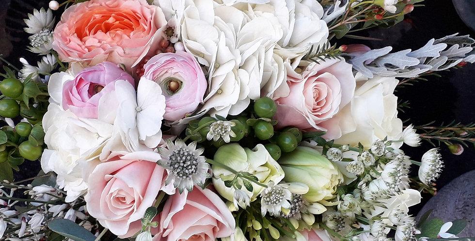 Bouquet romantico toni tenui