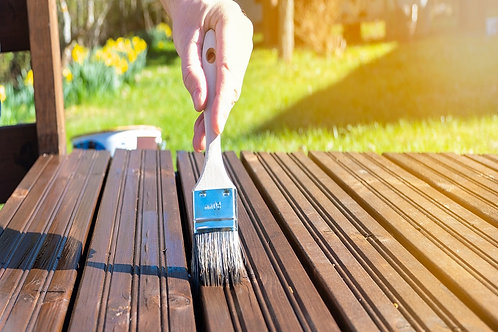 Applying of 2 coat of metal / wood primer