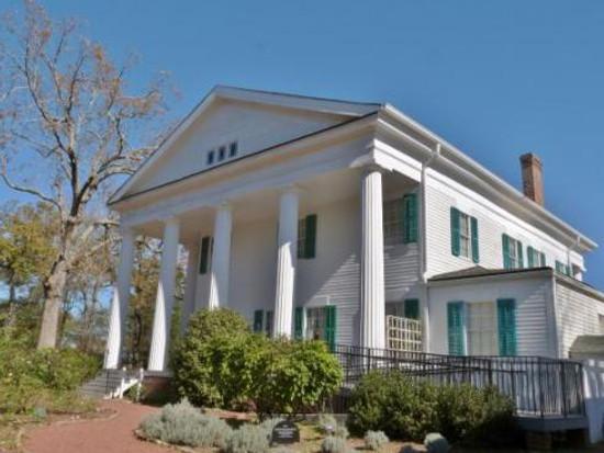 barrington-hall
