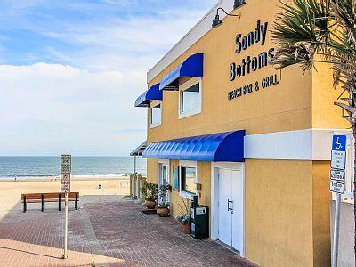 Sandy bottom bar