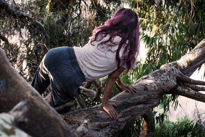 Iris Nais - Body in nature