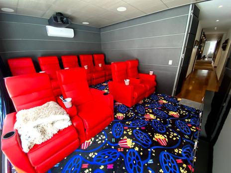 Sala de cine para un exclusivo apartamento del norte de Bogotá.