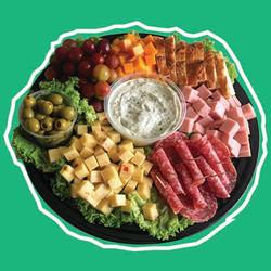Charola de quesos y carnes frías