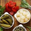 pickles-cornichon-oignon-mais-capres-chou-poivron-carotte_5931332.jpg