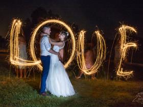 Ragyogó esküvői fotó csillagszóróval