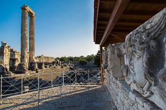 Medusa statue in apollo temple at Didyma