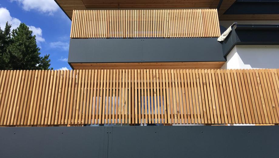 Balkonbrüstung mit Aluminiumverbundplatten