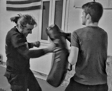 Ιδιαίτερα μαθήματα KRAV MAGA PAROS personal training αυτοάμυνα πάρος
