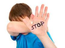 Πώς να διδάξουμε στα παιδιά μας να προστατεύουν τον εαυτό τους