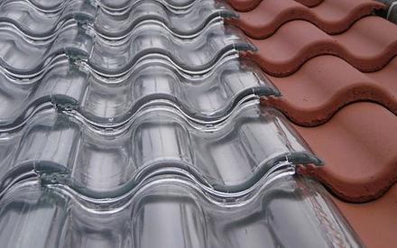 telha-transparente-de-vidro.jpg