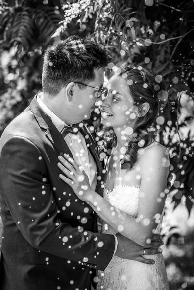 Brautpaar Blüten schwarz-weiß