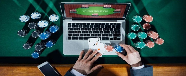 Staying home and playing online casino