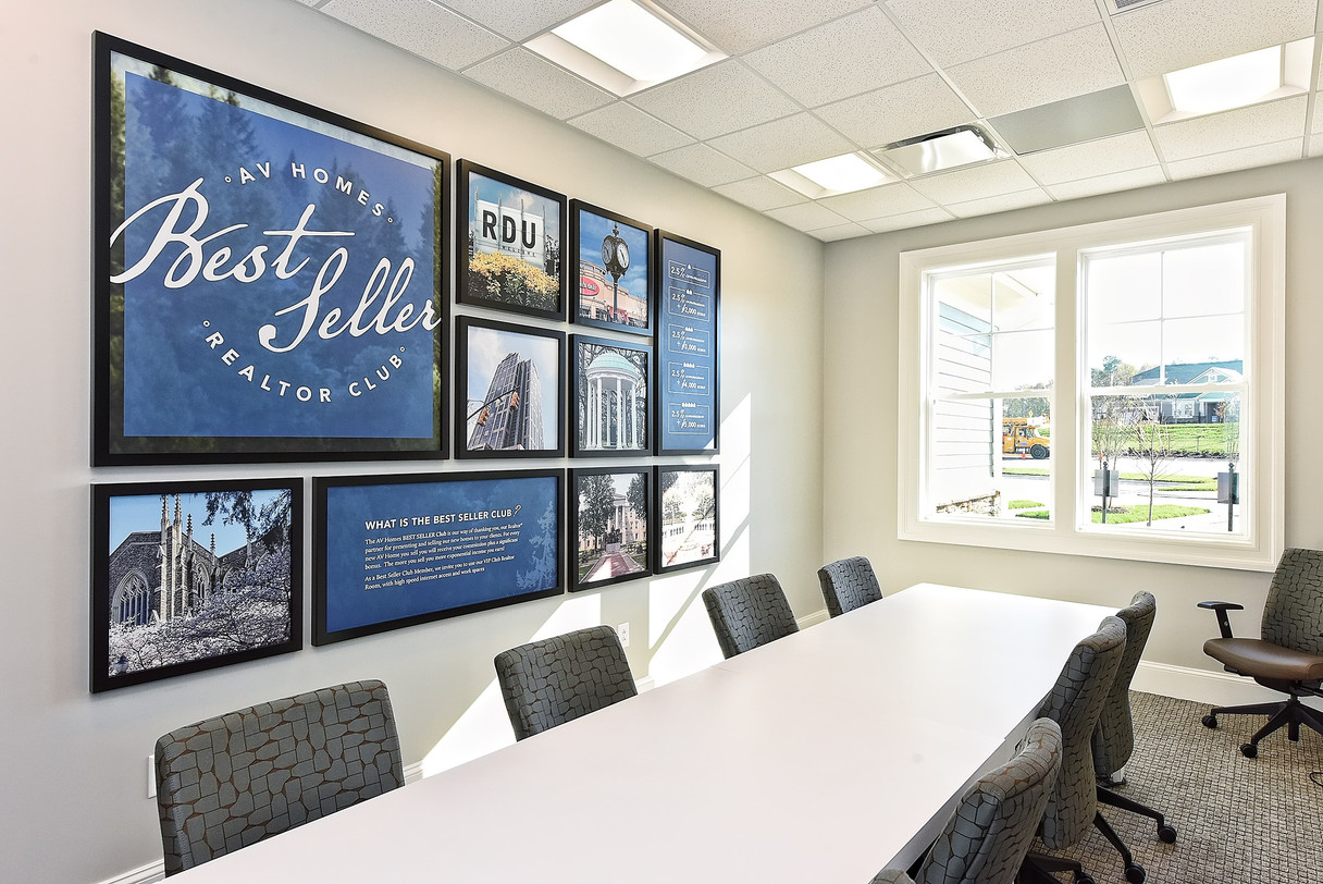 029_Sales Center.jpg