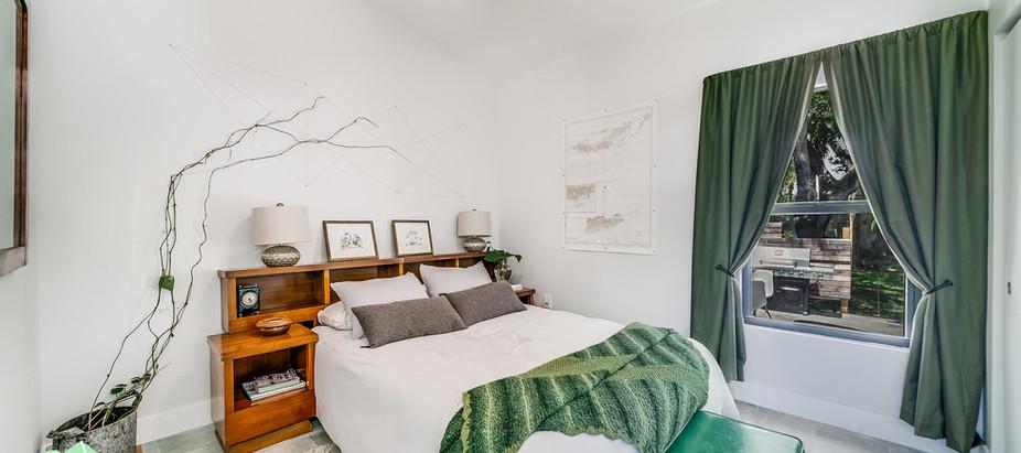 Modular home Florida guest bedroom.jpg
