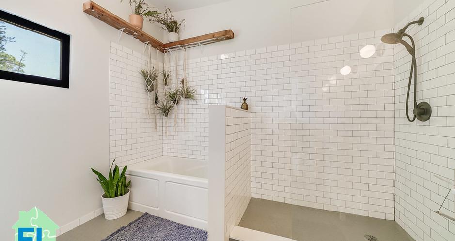 Modular home Florida Master bath.jpg