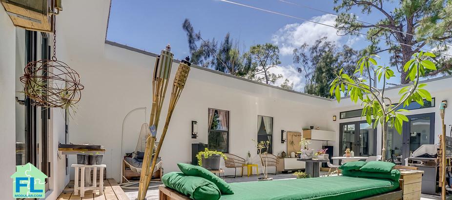 Modular home Florida coourt yard.jpg