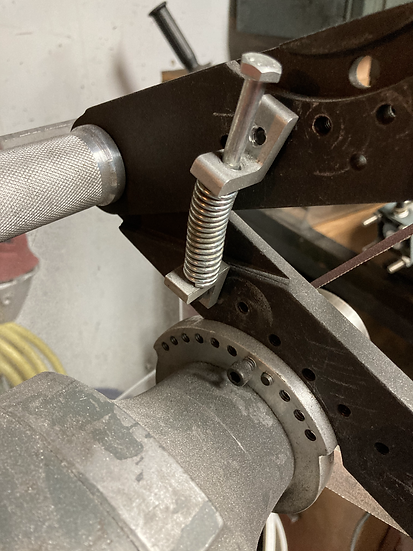 Replacement of gas strut