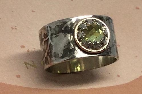 Rosecut Peridot Ring
