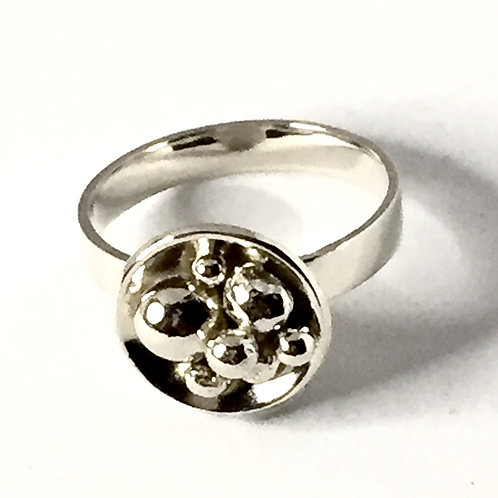 """""""Nest""""  Ring in sterling silver  Size S"""